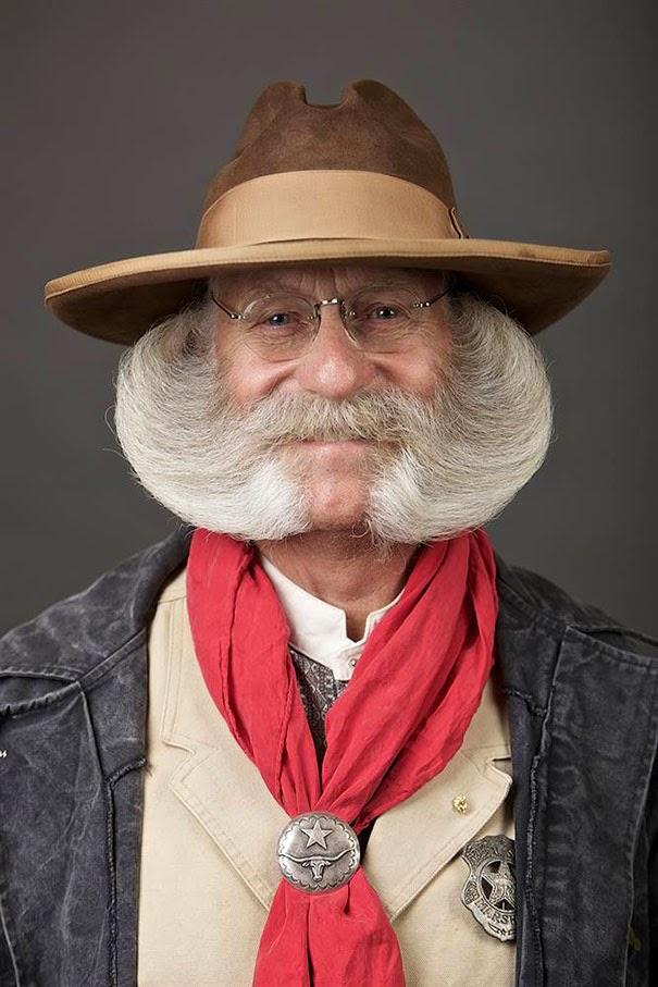 barbas y bigotes