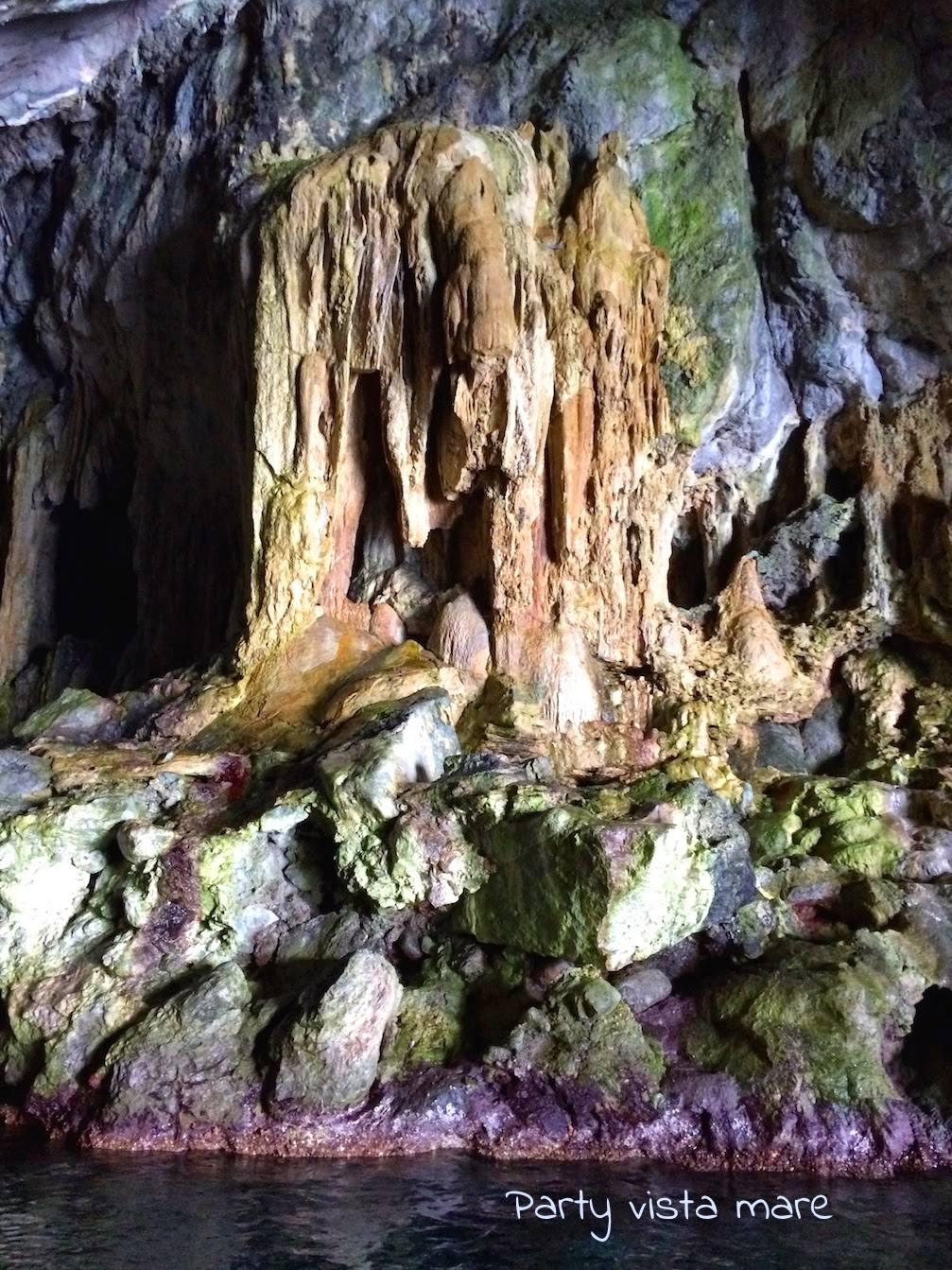 Grotta di Pandora_Maiori_Costiera_amalfitana_mare_stalattiti_stalagmiti_colonne_fenomeno_carsico_party_vista_mare