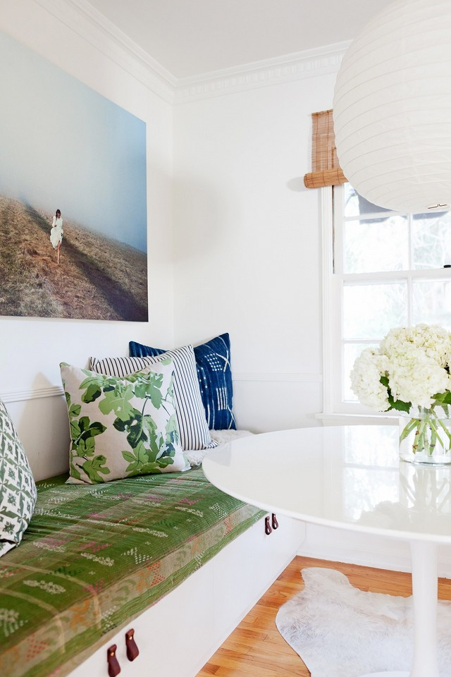 home-tour-a-young-designers-cheerful-eclectic-la-home-1519482.640x0c.jpg