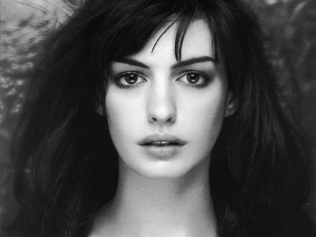 http://3.bp.blogspot.com/-fA3707K3-Z4/UAv2pdcF6kI/AAAAAAAAHTw/4JljMZDqxcM/s1600/ANNE+HATHAWAY+HOTTIE+OF+THE+WEEK+%287%29.jpg