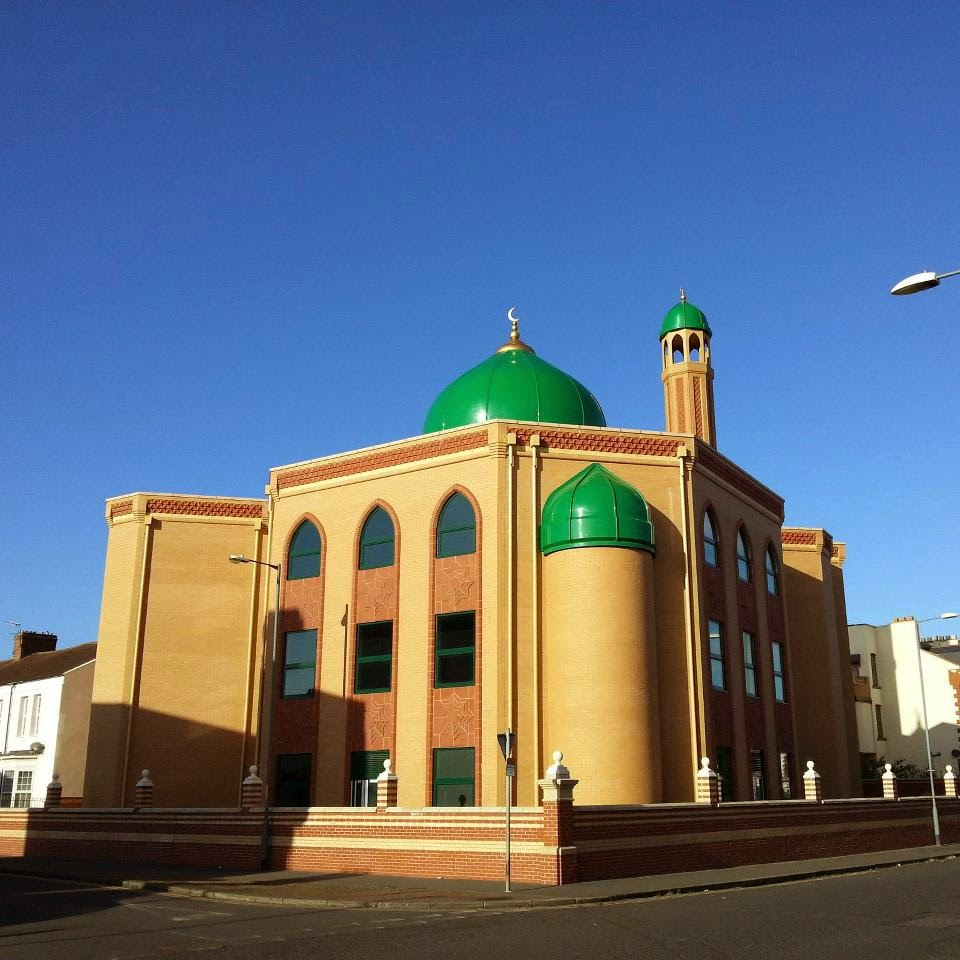 wellingborough muslim The word islam means 'submission to the will of god' islam is the second largest religion in the world with over 1 billion followers the 2001 census recorded 1,591,000 muslims in the uk, around 27% of the population.