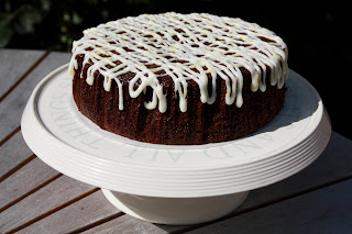 Sticky ginger cake with lemon drizzle icing