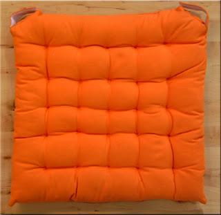 Cuscino sedia arancione sono incominciati gli sconti - Tappeti grandi ikea ...