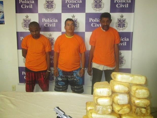 Traficantes foram apresentados (Foto: Polícia Civil)