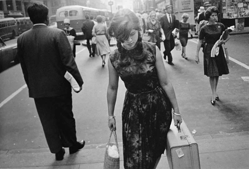 http://streetshooter45.wordpress.com/2013/05/31/garry-winogrand-at-sfmoma/