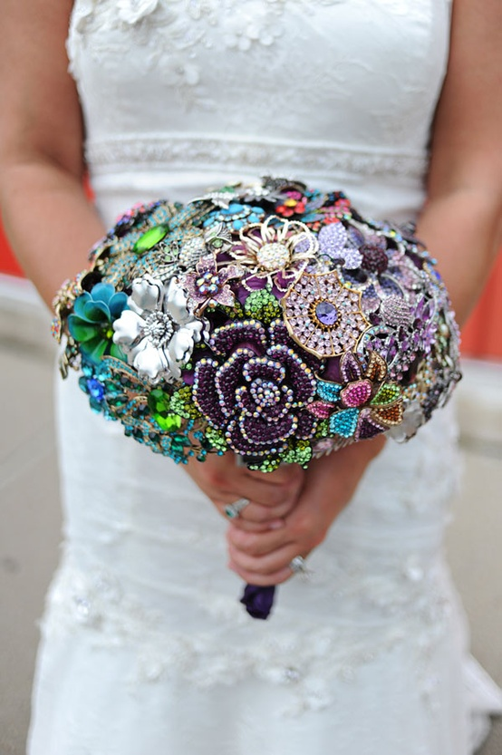 Bouquet Brooch for your Bridal Bouquet