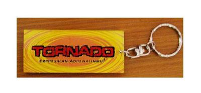 gantungan kunci akrilik, buat gantungan kunci, cara membuat gantungan kunci akrilik, 0856.4578.4363, www.rumahplakat.com