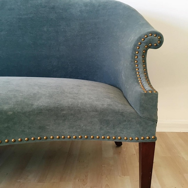 #thriftscorethursday Week 81 | Instagram user: cuckoo4design shows off this Grey Velvet Settee