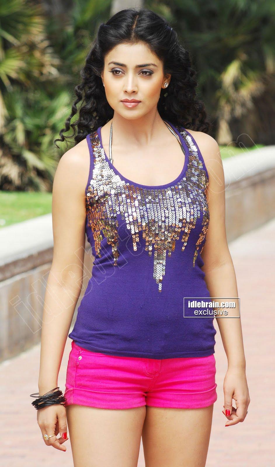 shriya saran new latest hot photo gallery   shriya saran hot photos