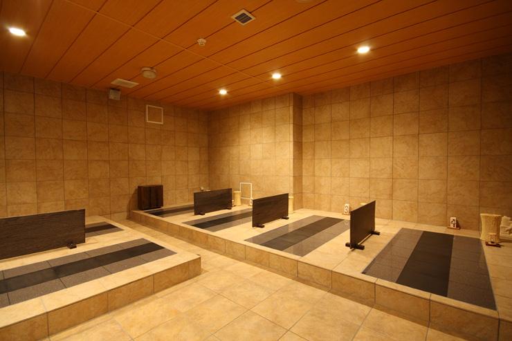 アンダにはリラクゼーションも豊富にございます。こちらはロンボック館B1スパチャンティック内にある「岩盤浴」。ストレスの軽減・解消、疲労回復などお疲れの方は、自分へのご褒美にいかがですか?