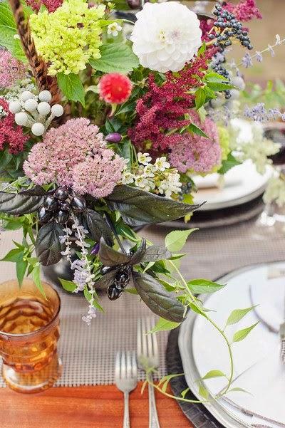 Belles photos d'inspiration pour un mariage automne hiver , décoration de table , couleur d'automne , bouquet et fleurs pour un mariage en automne hiver