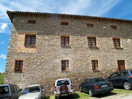 La façana de llevant d'El Casal