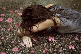 صور بنات حزينة جدا