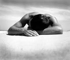 na zadnjem  nočnem počivališču se dam │ dol v temi izjokam prekleto │ dušo
