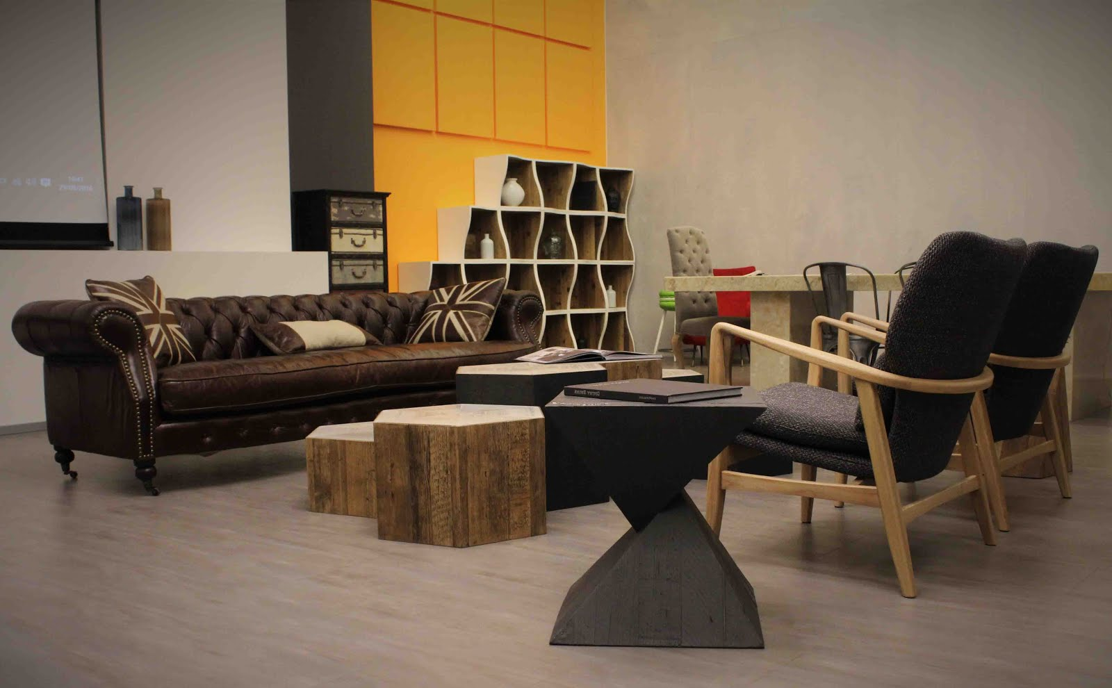 Arredo e design dialma brown arreda il food loft di for Dialma brown