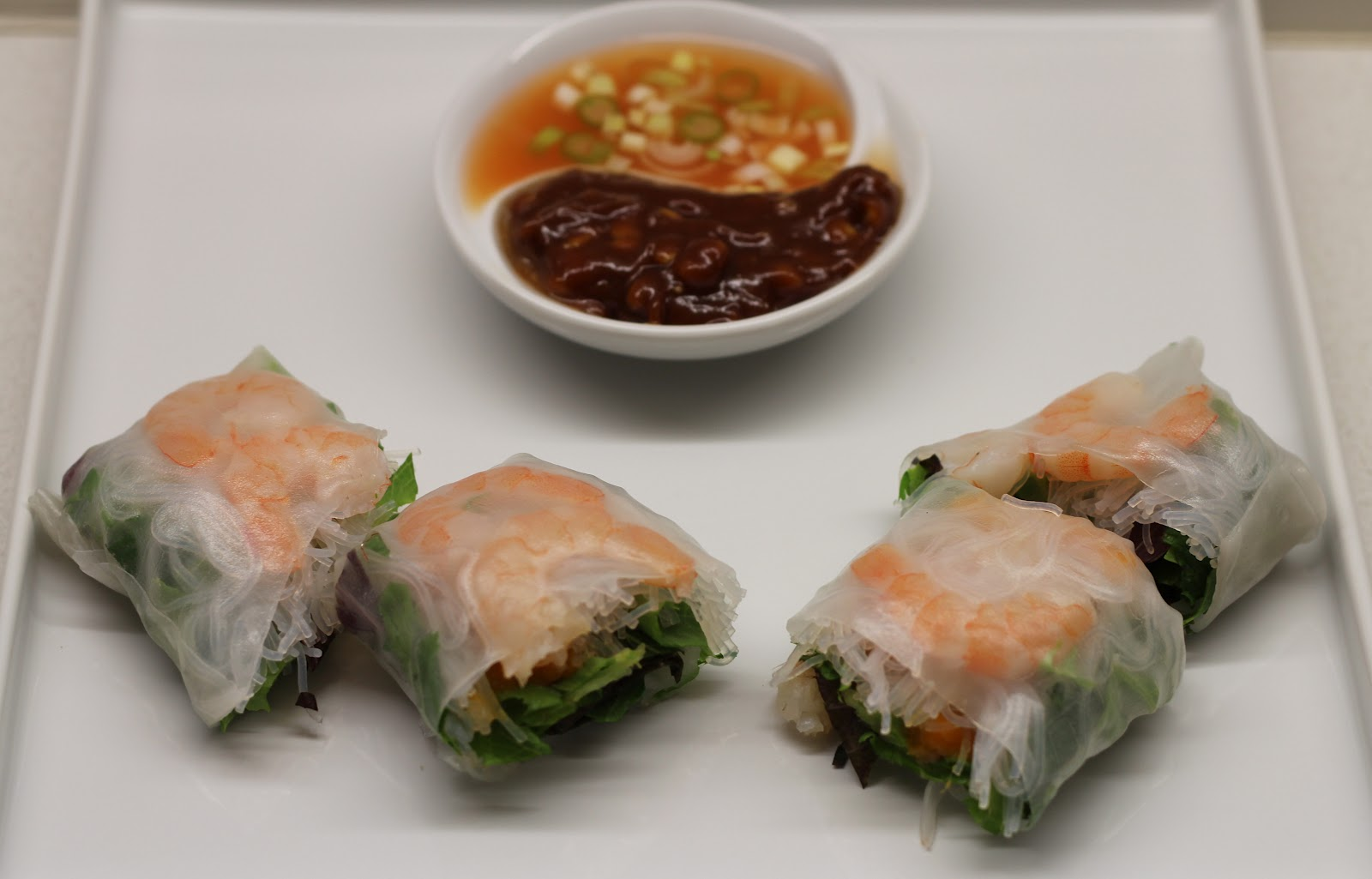 Lexi's Kitchen: SHRIMP AND MANGO SUMMER ROLLS