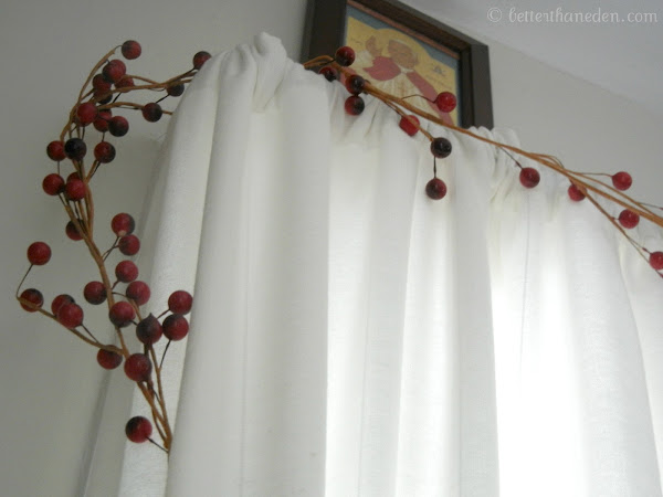 Seven Quick Takes - In Which I Store My Berry Garland