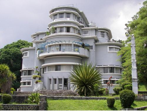 Vila Isola Kota Bandung, salah satau Tempat Bersejarah di Kota Bandung