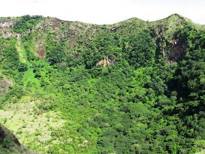 Masaya volcan crater