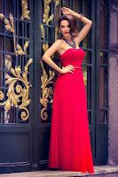 Rochie de seara eleganta din dantela dublata de tull