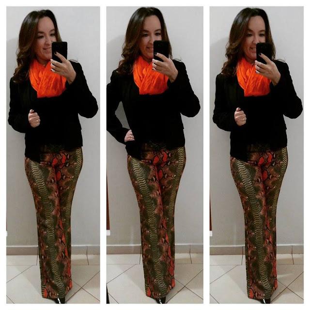 blog camila andrade, fashion blogger em ribeirão preto, blogueira de moda em ribeirão preto, ribeirão preto, look casual, snake print, calça flare estampada, calça flare snake print, blazer preto, echarpe laranja, look de inverno