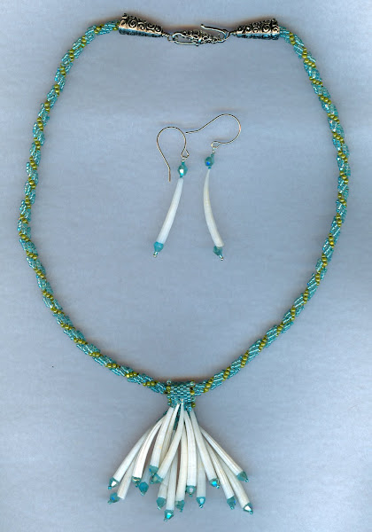 Shell necklace with beaded chain