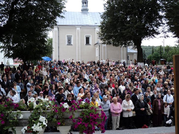 10 вересня у Зарваниці уділялась Св.Тайна єлеопомазання,яку змогли прийняти більше тисячі прочан