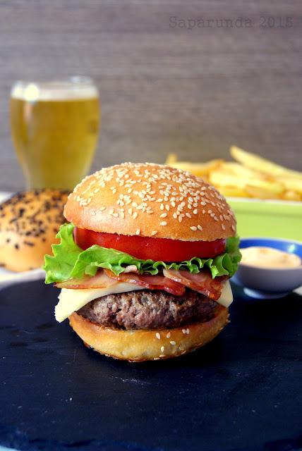 come si fanno gli hamburger americani?