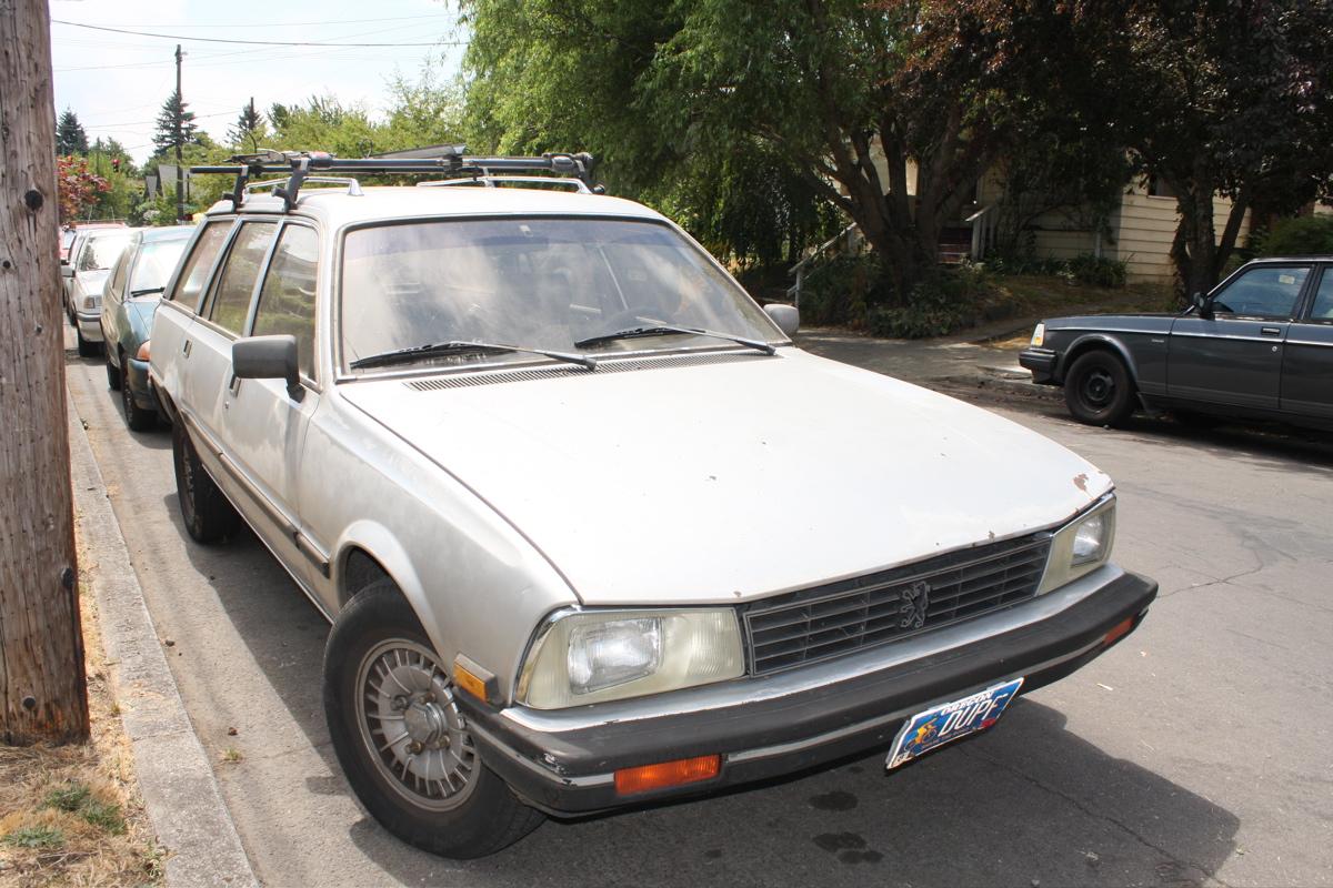 1986 Peugeot 505 GL Diesel Wagon.