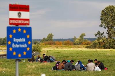 Ausztria, menekültválság, Werner Faymann, Magyarország, határellenőrzés, illegális bevándorlás, migráció, Schengen, schengeni övezet,