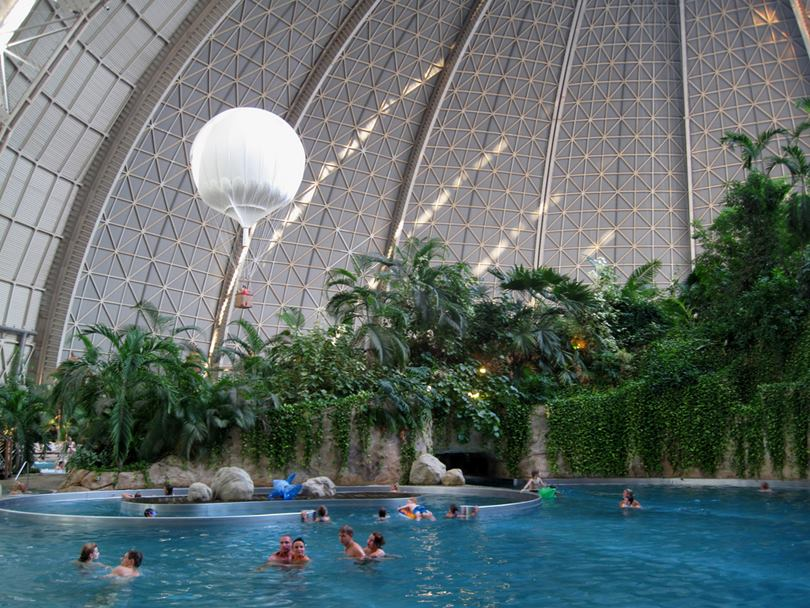 The second life of the world's largest hangar as a Tropical Island Resort