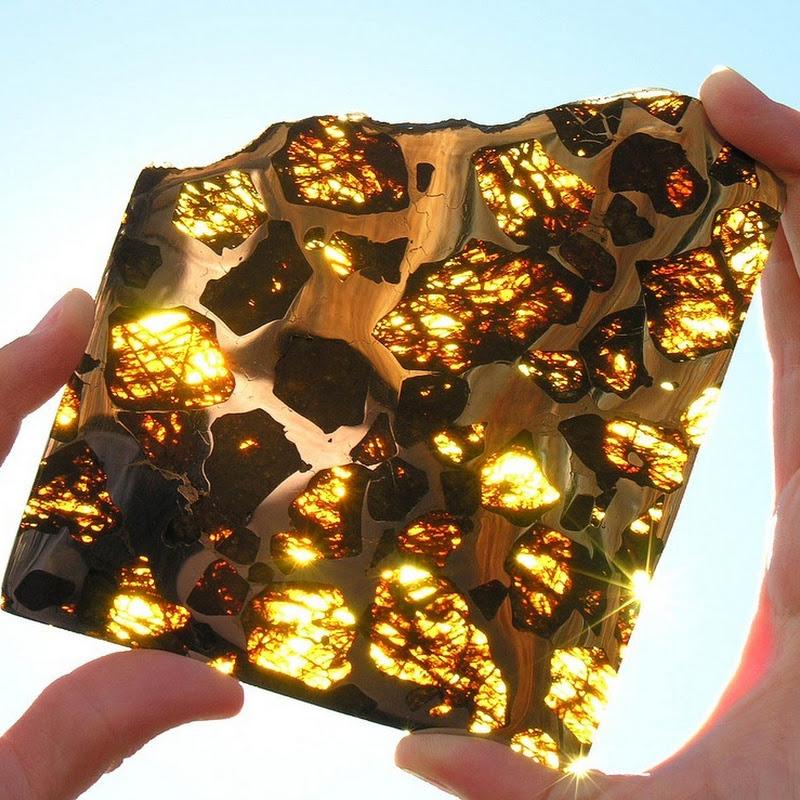 Meteorit Berusia 4.5 Billion Tahun Yang Ditemui Di Fukang, China (8 Gambar)