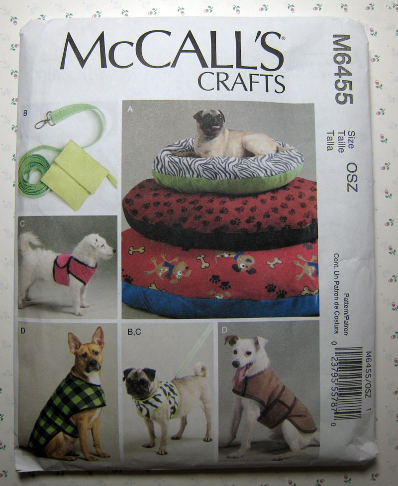 MostlyMandy: Adventures in Sewing: Making a Dog Bed