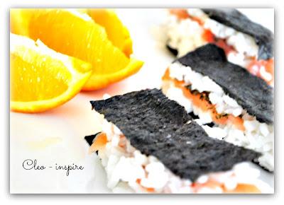 sushi w innej formie z łososiem