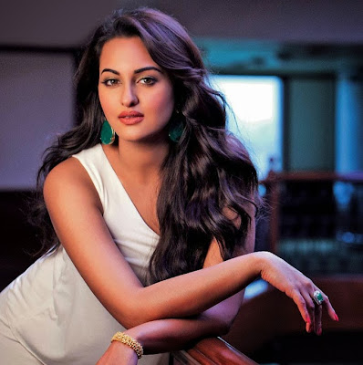 10 Sonakshi Sinha in R... Rajkumar Movie OOPS Photos Wallpapers