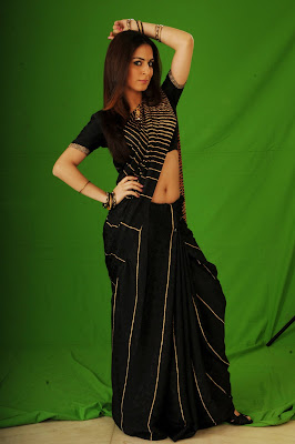 Shraddha arya photoshoot in black saree
