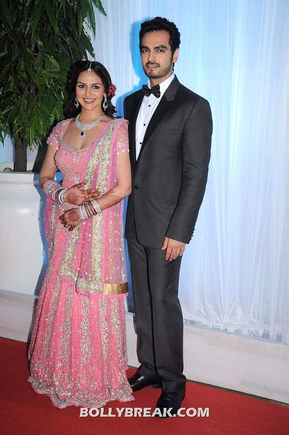 Esha Deol wore a beautiful shade of pink on her reception  - Esha Deol's wedding reception - Family pics