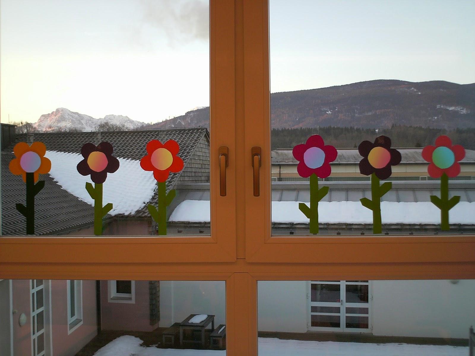 Ideenreise bastelvorlagen fr hlingsblumen fensterdeko - Fensterdeko im kindergarten ...