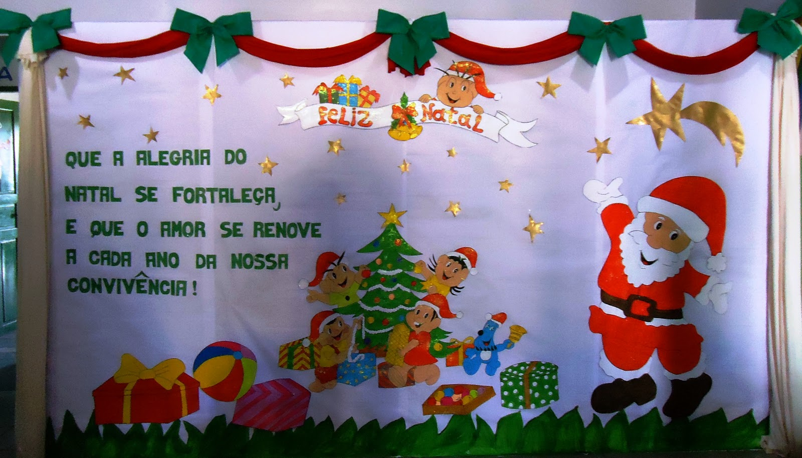 Wcb criatividades mural de natal for Mural sobre o natal