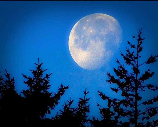 gambar-gambar keren, foto bulan, gambar bulan cantik