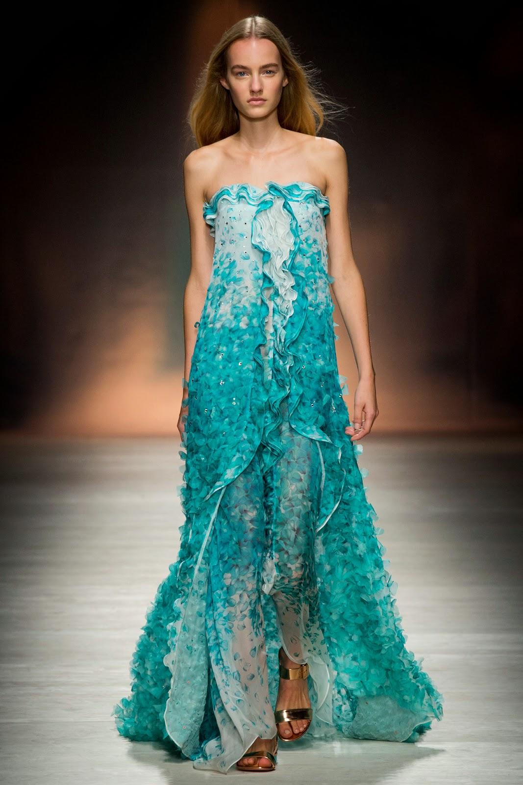 blumarine transparan elbiseler