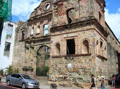 La compañia, Casco viejo, Panamá, round the world, La vuelta al mundo de Asun y Ricardo, mundoporlibre.com