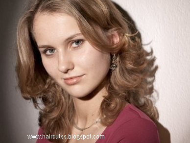 Latest Haircuts, Long Hairstyle 2013, Hairstyle 2013, New Long Hairstyle 2013, Celebrity Long Romance Hairstyles 2079