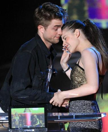Kristen Stewart Boyfriends on Kristen Stewart And Edward  Kristen Stewart Boyfriend 4