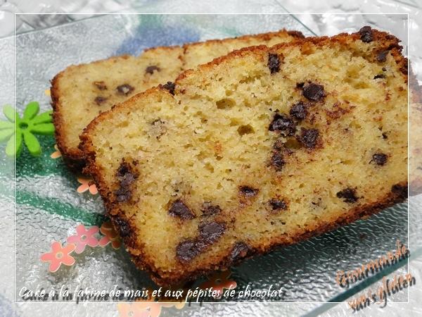 Cake à la farine de maïs et pépites de chocolat