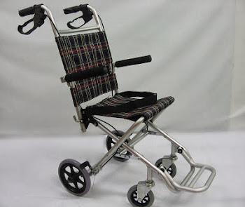 Travel wheelchair 旅行轮椅 Kerusi roda melancong