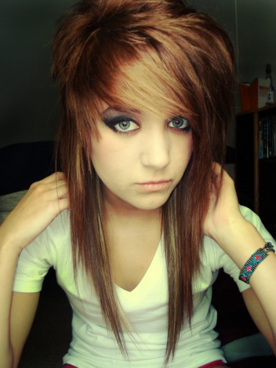 Outstanding Long Emo Hairstyles for Girls 400 x 533 · 46 kB · jpeg