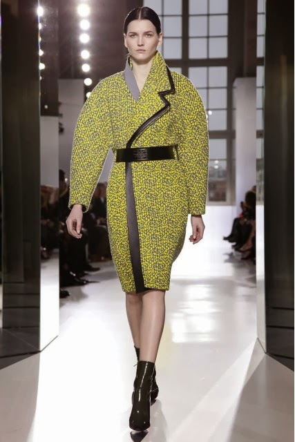 Balenciaga, Balenciaga-Fall-Winter, mercedes-benz-fashion-week, Fall-Winter, Fall-Winter-2014, Womenswear, womenswear-2014, ready-to-wear, pret-à-porter, fashion-week-milan, automne-hiver, fashion-week, milano-fashion-week, milan-fashion-week, mlf, mlf14, mlf2014, paris-fashion-week, fashion-week-paris, pfw, pfw14, pfw2014, du-dessin-aux-podiums, blog-mode-femme, blog-sur-la-mode, online-fashion-magazine, mode-chic, new-mode , fashion-looks, milan-fashion, fashionweek, look-mode, mode-a-paris, paris-fashion, style-mode, accessoires-de-mode, ladieswear, in-fashion, blogs-mode, fashion-events, mercedes-fashion-week, paris-fashion-week-schedule, femme-mode, vetement-femme-solde, chaussures-isabel-marant, balenciaga-parfum, parfum-balenciaga, balenciaga-mens-sneakers