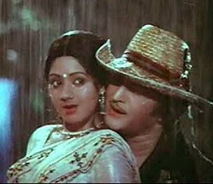 Video Feature : Sr.NTR 'Aaku Chatu' song with Beauty Sridevi