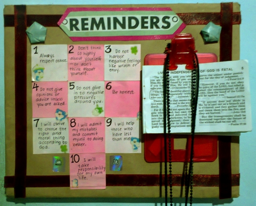 tiny bulletin board, my own 10 commandments, crafting, scrap, reminders, rules to live by, my own rules for life, class assignment, reminders board, create your own bulletin board